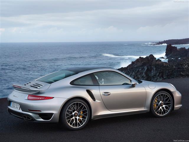 Porsche 911 Turbo: regina sportiva di segmento