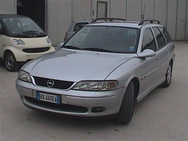 Opel Vectra: vettura dal carattere amichevole