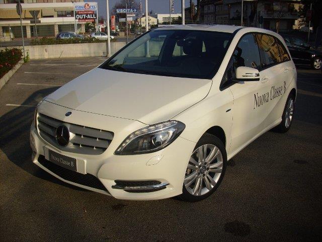 Mercedes Classe B si presenta più accattivante
