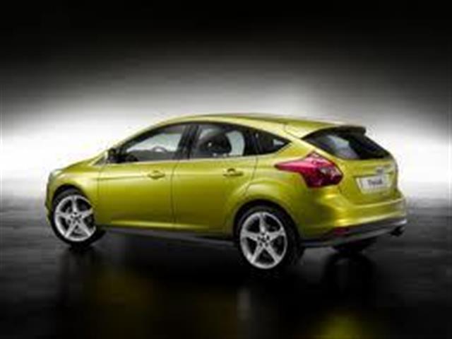 Ford Focus si ripresenta più sportiva