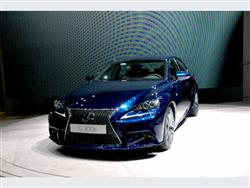 Lexus IS 2014: lo stile incontra la tecnologia