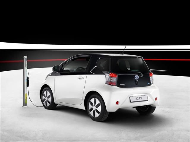 Toyota IQ EV : elettrica ad emissioni zero