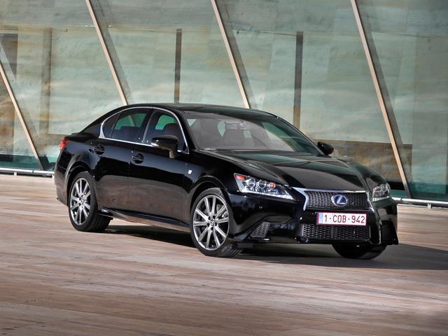 Lexus GS si rinnova completamente