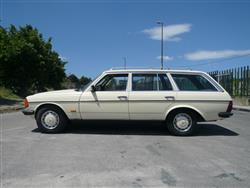 MERCEDES SERIE 200-300 300 TD turbodiesel Station Wagon